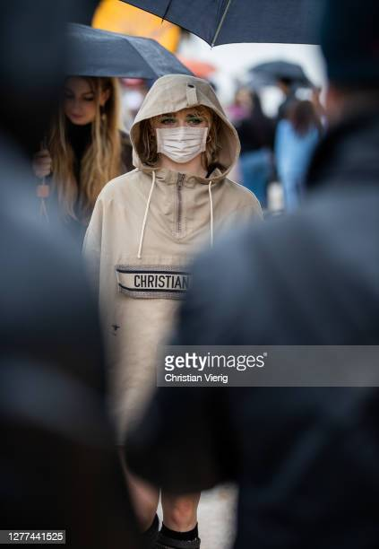 Maisie Williams seen outside Dior during Paris Fashion Week - Womenswear Spring Summer 2021 : Day Two on September 29, 2020 in Paris, France.
