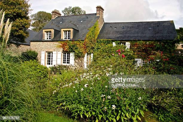 Jardin De La Maison Stock-Fotos und Bilder | Getty Images