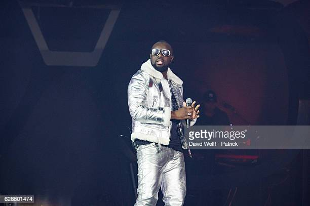 Maitre Gims performs at AccorHotels Arena on November 30 2016 in Paris France