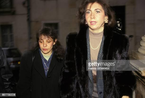 Maitre MarieChristine Chastant et sa cliente Christine Vilement arrivent au proces de JeanMarie Villemin pour le meurtre de Bernard Laroche en...