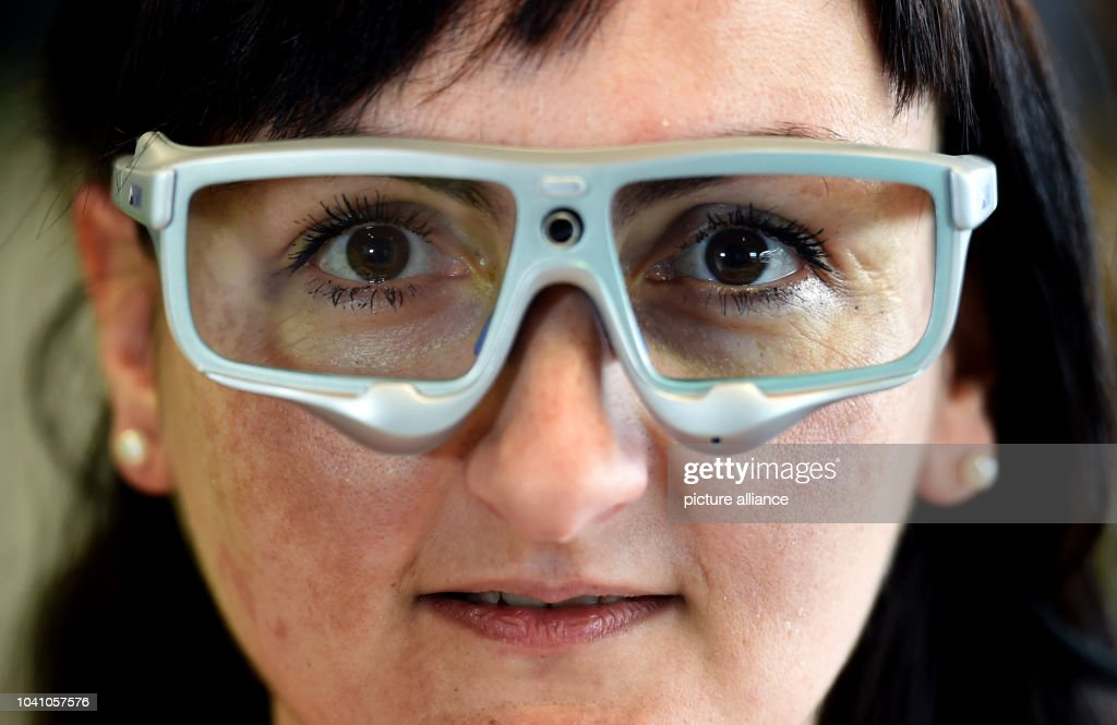 Maja Knezovic wearing special glasses for so-called eye tracking at the Vinn  Lab a5ce31548c6dc