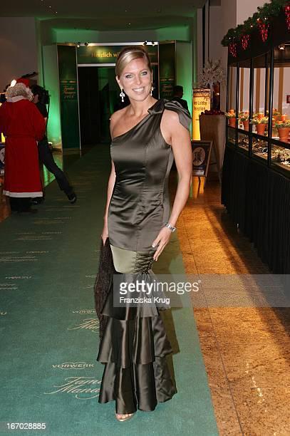 Maja Prinzessin Von Hohenzollern Bei Der Verleihung Der FamilienManagerin 2006 Im Hotel Intercontinental In Berlin