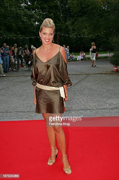 Maja Prinzessin Von Hohenzollern Bei Der Verleihung Des Brisant Brillant Im Tipi Zelt Am Kanzleramt In Berlin Am 030905