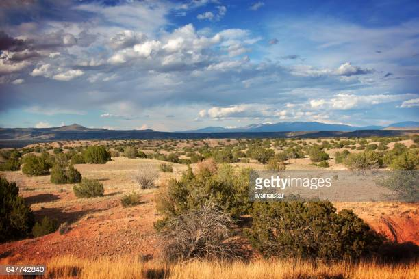 majestic  cloudscape over sandia mountains - nuovo messico foto e immagini stock