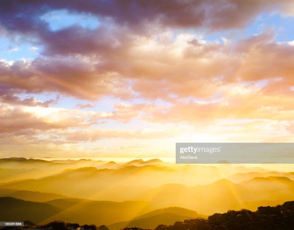 雄大な夕日 : ストックフォト
