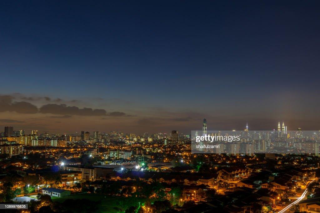 Majestic sunset view over downtown Kuala Lumpur, Malaysia. : Stock Photo