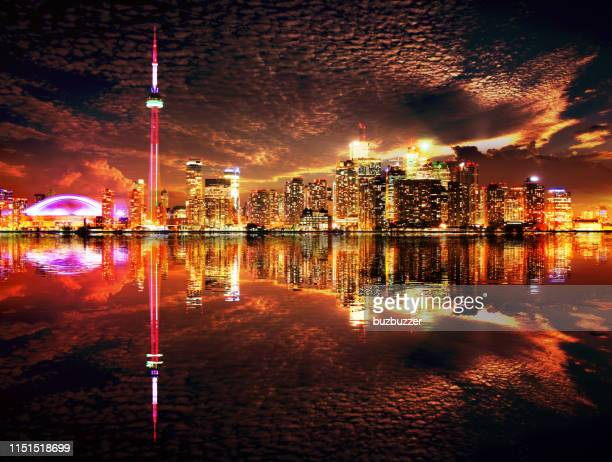 majestic toronto city skyline with water reflection - buzbuzzer stock pictures, royalty-free photos & images