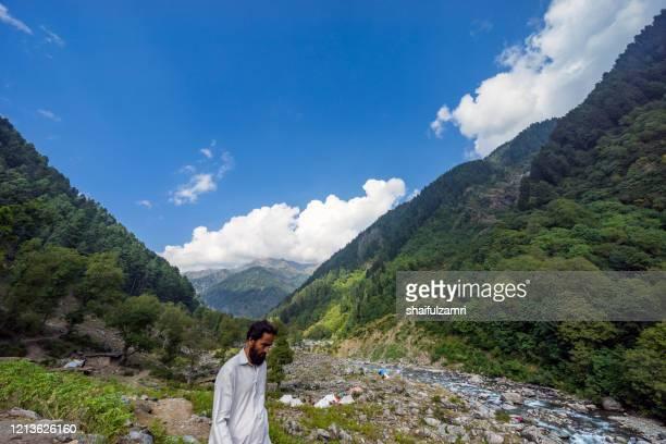 majestic view of gypsy village at naranaq, kashmir, india. - shaifulzamri stock pictures, royalty-free photos & images