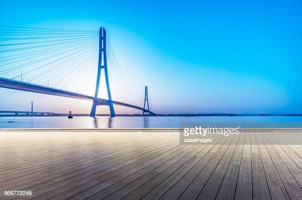 majestic view of nanjing no.3 yangtze river bridge - nanjing road stockfoto's en -beelden