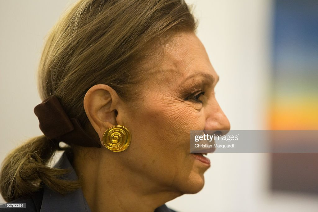 Empress Farah Diba Pahlavi Press Conference : News Photo