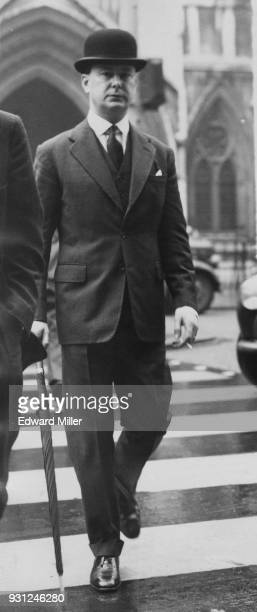 Major Anthony GrevilleBell during a lunch break in his divorce proceedings from his wife Helen in the Divorce Court UK 12th November 1958 The Duke of...