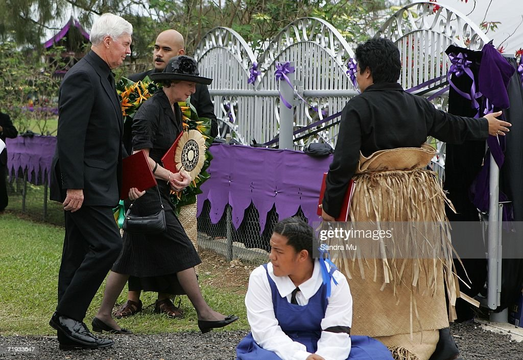H.E Major General Michael Jeffery, Governor General of Australia (L) and his wife Marlena are welcomed as he arrives at the State Funeral For King Taufa'ahau Tupou IV of Tonga at his chiefly burial ground on September 19, 2006 in Nuku'alofa, Tonga. King Taufa'ahau Tupou IV died on September 10, 2006 after a long illness. He was 88 and had been ruler of Tonga since the death of his mother in 1965. Crown Prince Tupouto'a has taken over the king's duties.