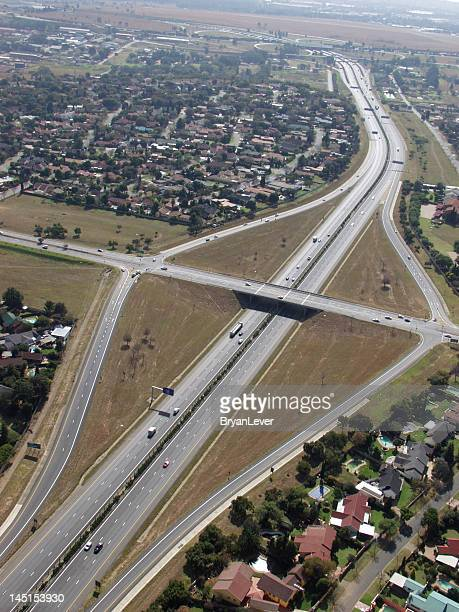 major highway intersection in johannesburg - gauteng province stock pictures, royalty-free photos & images
