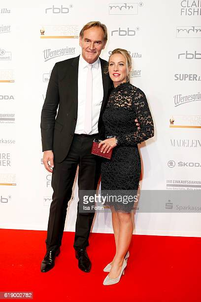 Major of Leipzig Burkhard Jung and his wife Ayleena Jung attend the Goldene Henne on October 28 2016 in Leipzig Germany