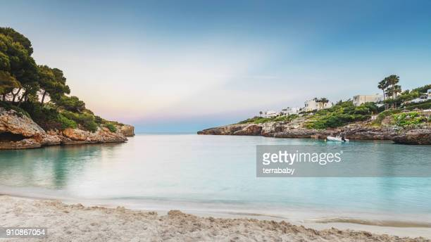 mallorca beach sunset - spanien stock-fotos und bilder