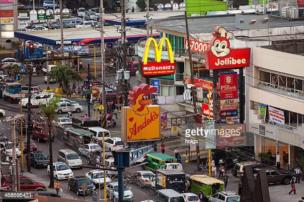 makati avenue im zentrum von metrolopitan manila - metro manila stock-fotos und bilder