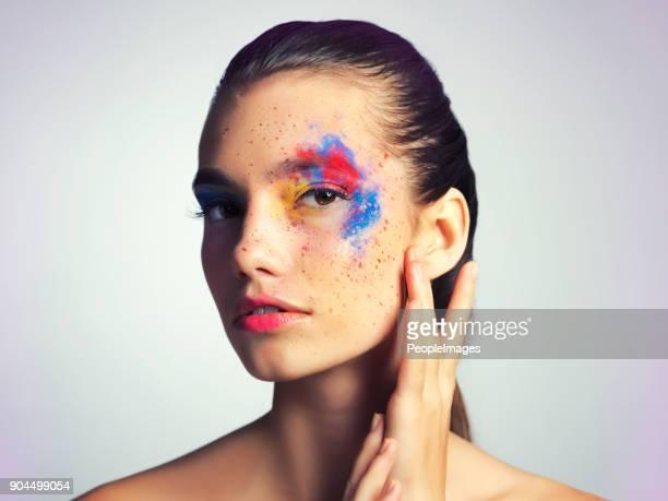 Eine Erklärung mit Ihrem Make-up