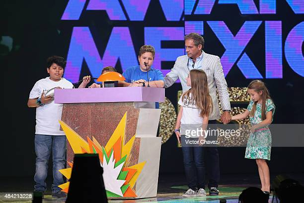 Make A Wish members and Arath de la Torre speak on stage during the Nickelodeon Kids' Choice Awards Mexico 2015 at Auditorio Nacional on August 15...