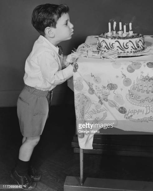 make a wish - happy birthday vintage stockfoto's en -beelden