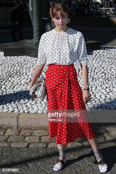 Makenzie Leigh arrives at the Miu Miu show as part of the Paris Fashion Week Womenswear Spring/Summer 2017 on October 5 2016 in Paris France