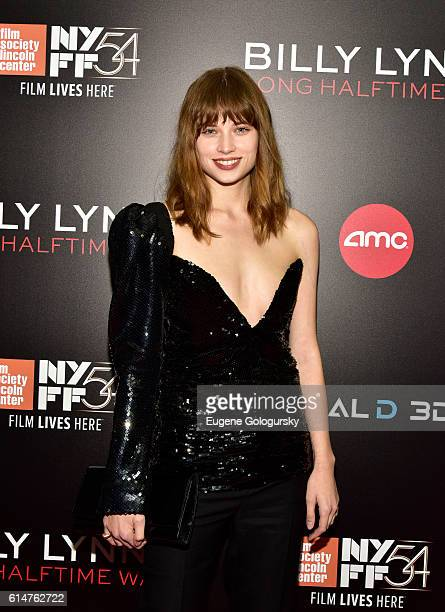 Makenzie Leigh attends the RealD Sponsors World Premiere of Billy Lynn's Long Halftime Walk at AMC Loews Lincoln Square on October 14 2016 in New...