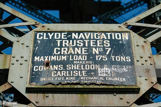 maker's plate on the finnieston crane, glasgow - theasis stockfoto's en -beelden