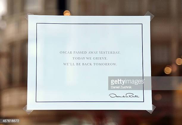 Makeshift memorial for Oscar de la Renta in front of his boutique on Madison avenue on October 21, 2014 in New York City.