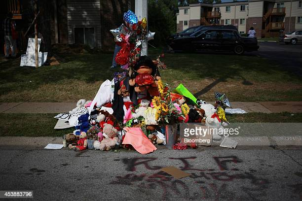A makeshift memorial for shooting victim Michael Brown stands in Canfield Drive where Brown was shot in Ferguson Missouri US on Wednesday Aug 20 2014...