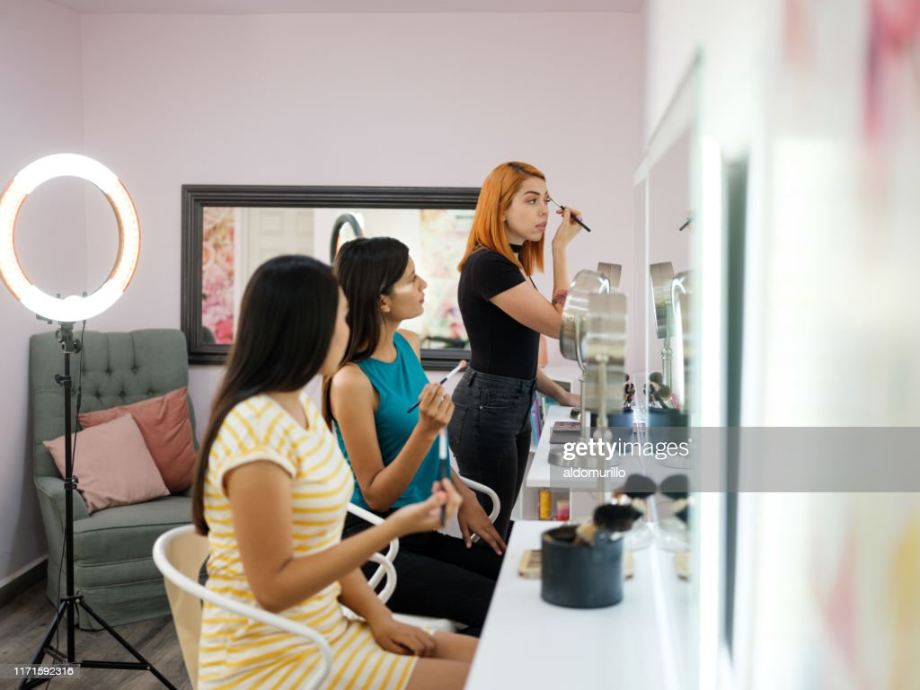 Makeup Artist Training Young Women At Beauty Salon High Res Stock Photo Getty Images