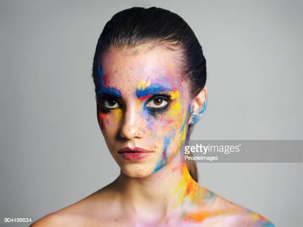 el maquillaje es mi pintura de guerra - pintura de cara fotografías e imágenes de stock
