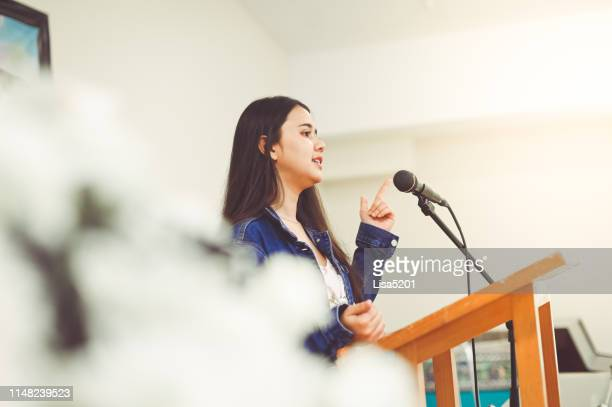 making a speech - awards ceremony stock pictures, royalty-free photos & images