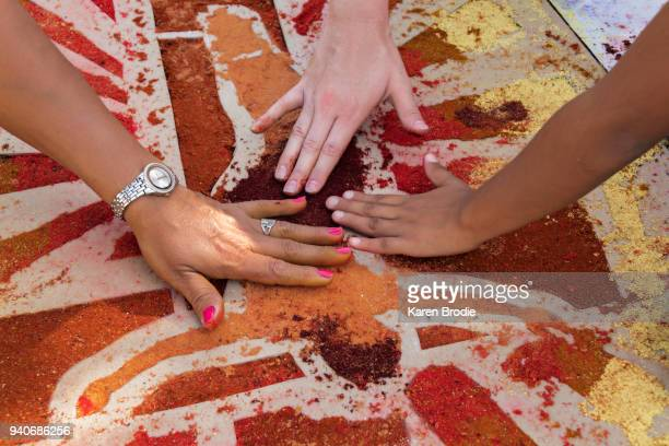 Making Alfombras (Sawdust Carpets)