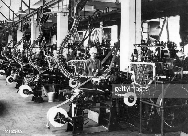 Making and lining cocoa tins One of a continuous series of automatic and semi automatic processes at the Cadbury plant at Bournville circa 1929