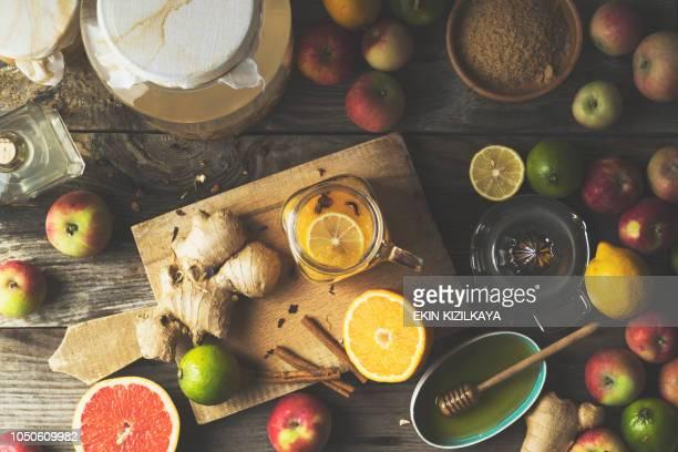 machen apple apfelessig grapefruit detox getränk - stoffwechsel entgiftung stock-fotos und bilder