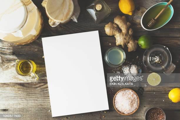 hacer aderezo de vinagre de sidra de manzana - treats magazine fotografías e imágenes de stock