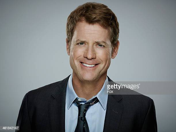 Making his broadcast television series debut, Academy Award nominee and Emmy Award winner Greg Kinnear plays a brilliant and frustratingly charming...