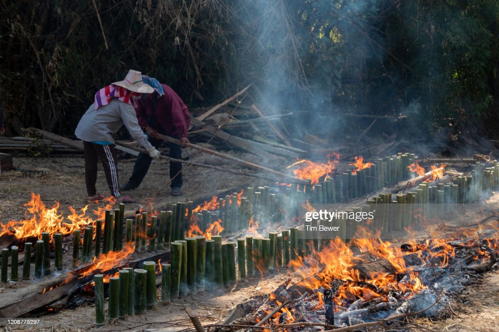 Making khao lam sticky rice snack. : Stock Photo