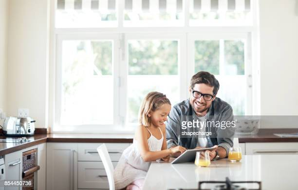 making learning a time to bond - at home imagens e fotografias de stock