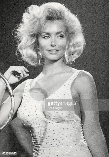 Making like Marilyn Actress Heather Thomas plays Marilyn Monroe singing 'Happy Birthday Mr President' to John F Kennedy in Sunrise Films' miniseries...