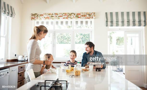 making morning time family quality time - caucasian ethnicity stock pictures, royalty-free photos & images