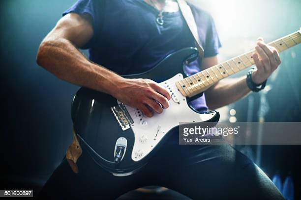 making music for the fans - the sounds band stock pictures, royalty-free photos & images