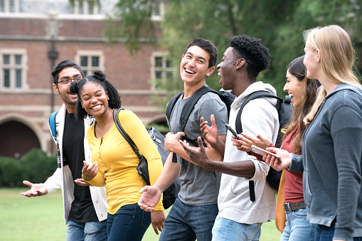 Making New Friends at College - gettyimageskorea