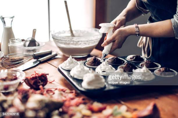 making of sweet desert - sweet food stock pictures, royalty-free photos & images