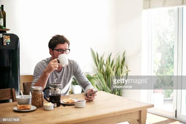 fazer planos é parte de sua agenda de manhã - café da manhã - fotografias e filmes do acervo