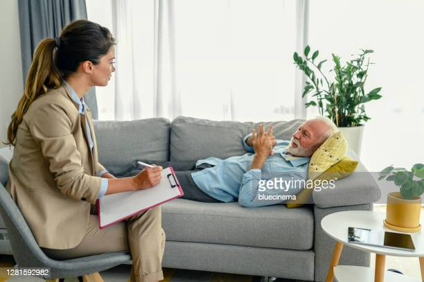 making profile - psychiatrist's couch stock pictures, royalty-free photos & images