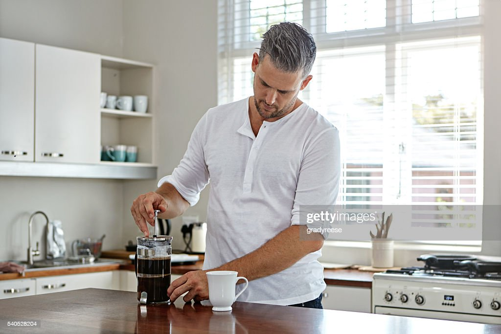 Making the perfect brew : Stock Photo