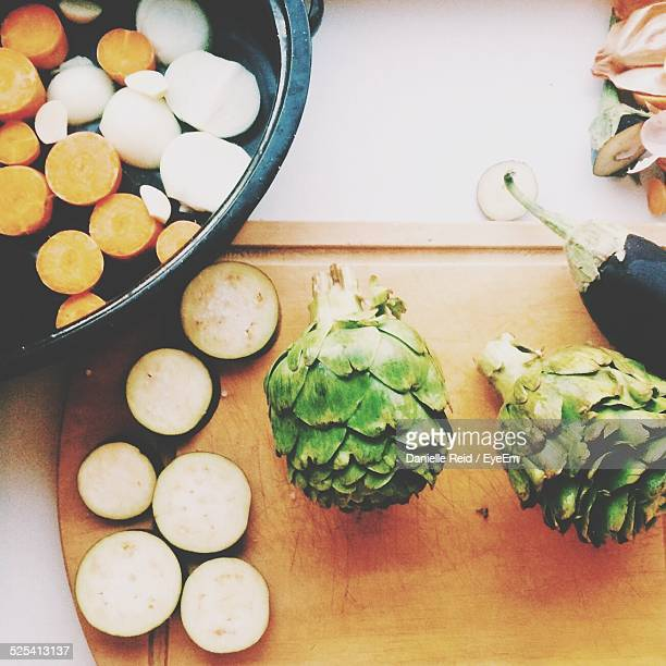 making vegetarian meal - danielle reid stock pictures, royalty-free photos & images