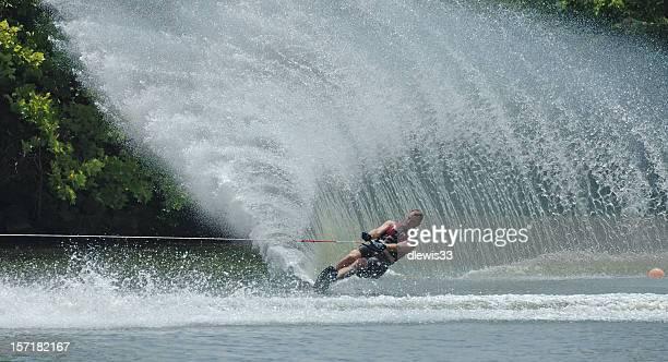 der wellen - ski slalom stock-fotos und bilder