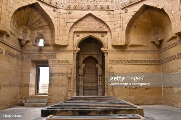 makli necropolis, pakistan - old ruin stock pictures, royalty-free photos & images