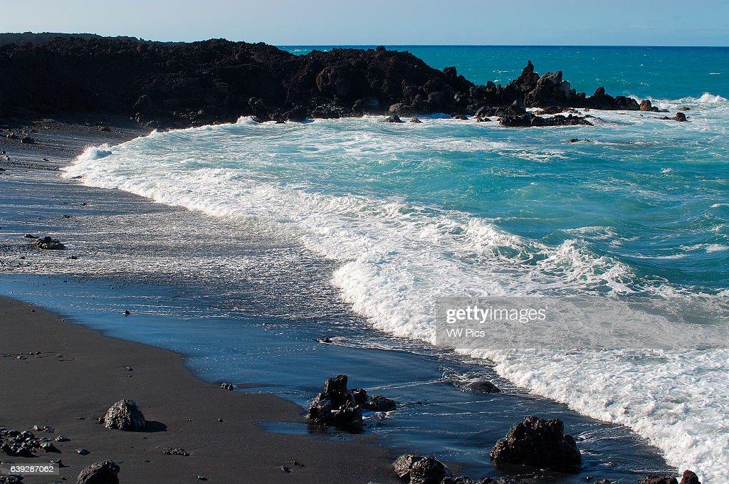 Makolea Black Sand Beach, Aa Lava, Kona Coast, Big Island of Hawaii.